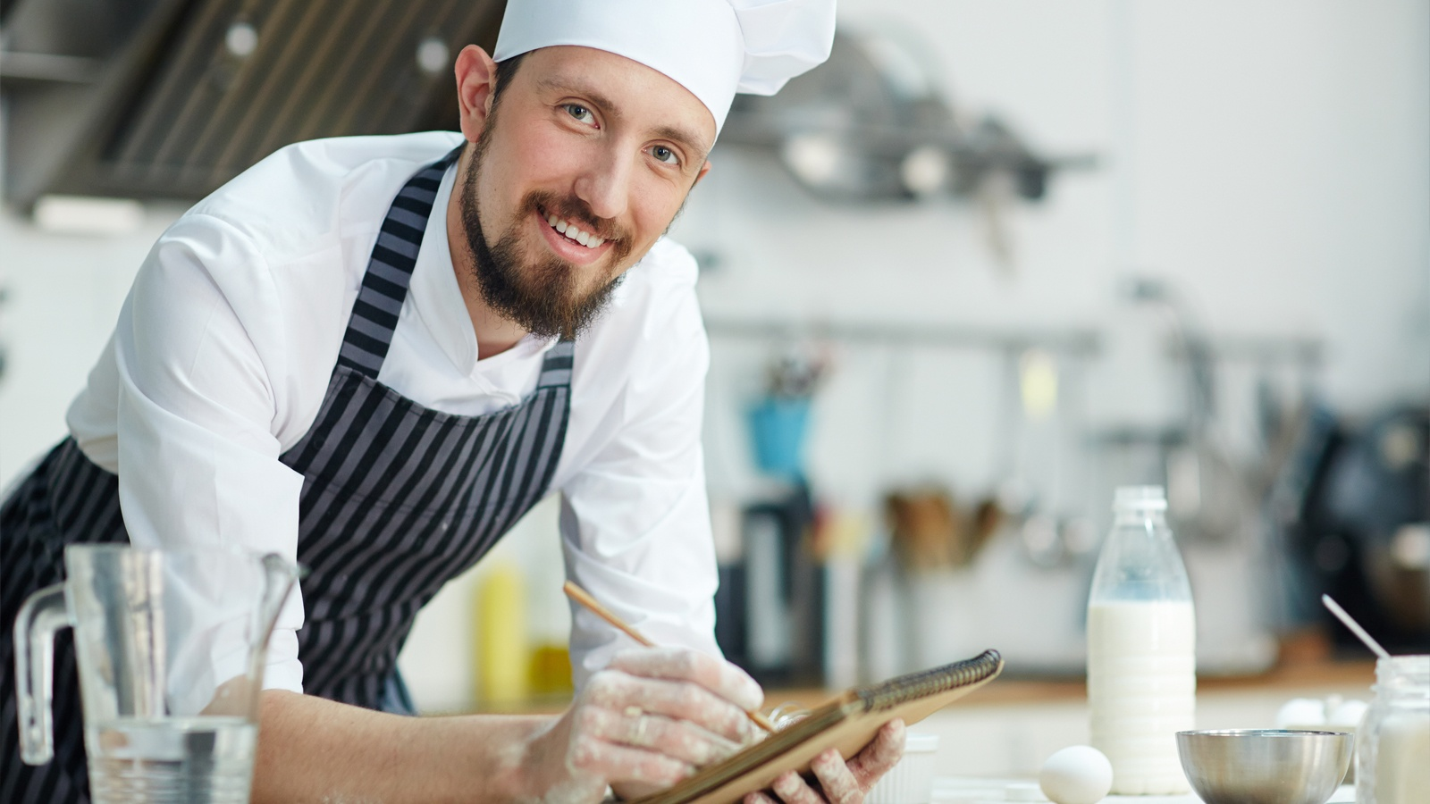 Cómo puedes gestionar desde el inicio tu concepto de negocio culinario con una carrera de cocina